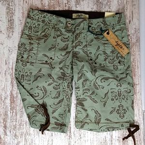 Tyte Jeans Green and Brown Print Burmuda Shorts